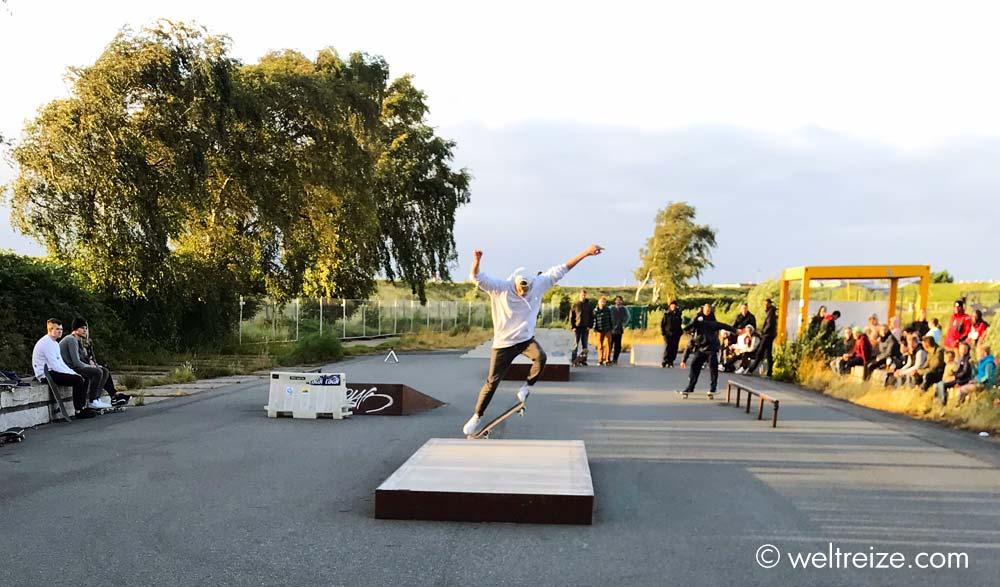 Skater auf dem Docke Gelände (c) Claudia Sittner, Weltreize